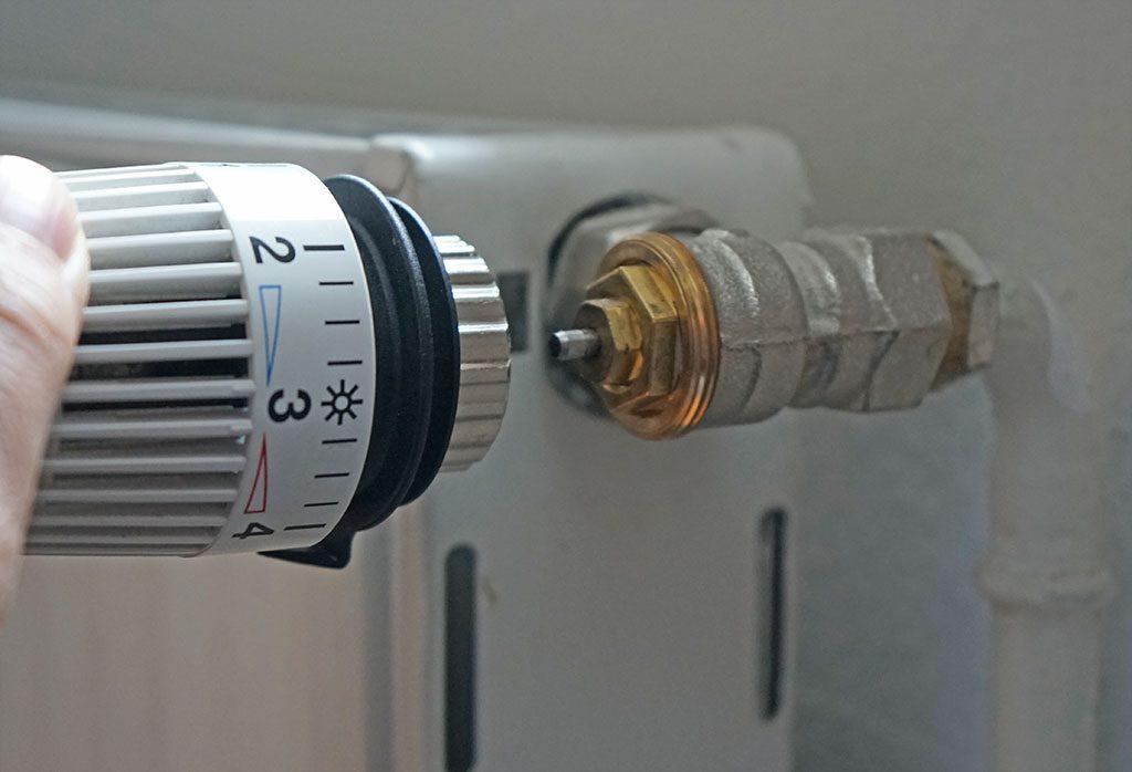 Smarte Heizungssteuerung: Drehregler mit Ventil