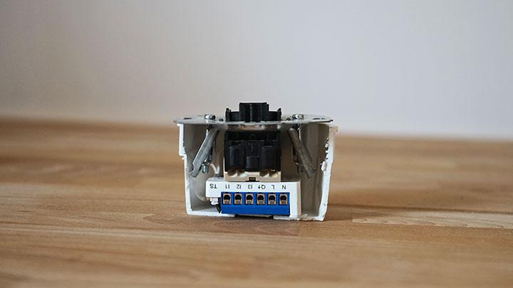 devolo Home Control Unterputz-Schalter eingebaut